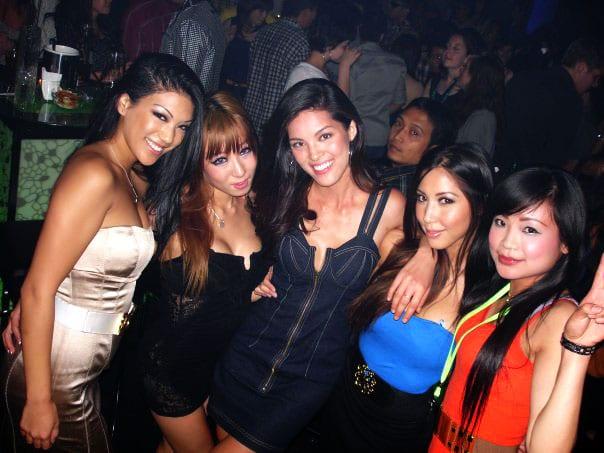bali-girls clubbing in kota