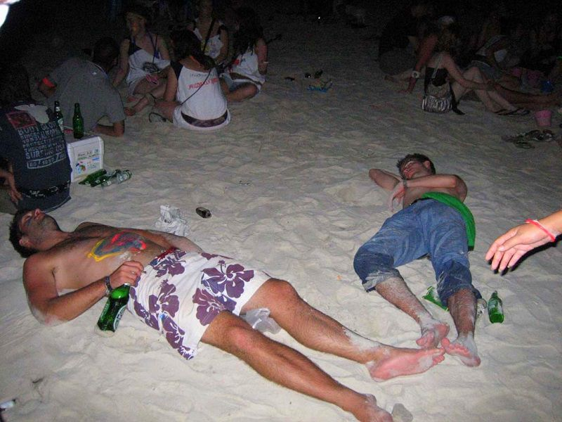 drink, drunk and alike - Full moon party