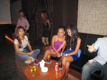 Riverhouse Lounge girls