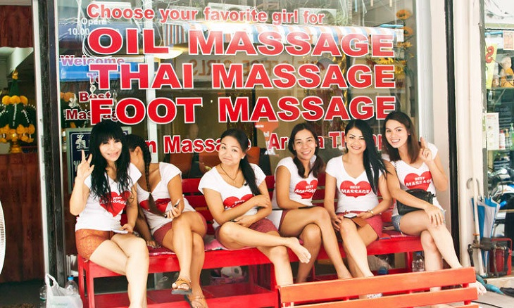 Thai-massage-girls for happy ending