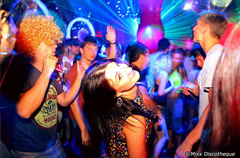 Mixx bangkok disco girl dancing