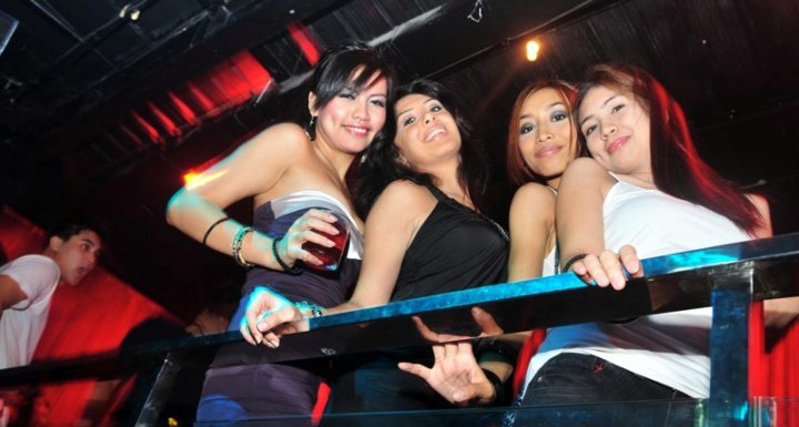 Philippines women clubbing and nightlife