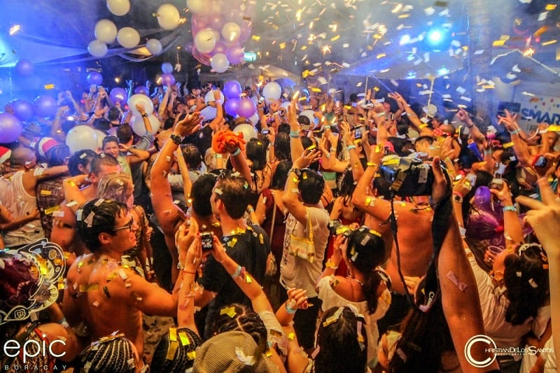 party-hard-in-boracay-best-nightclubs-and-meet-girls