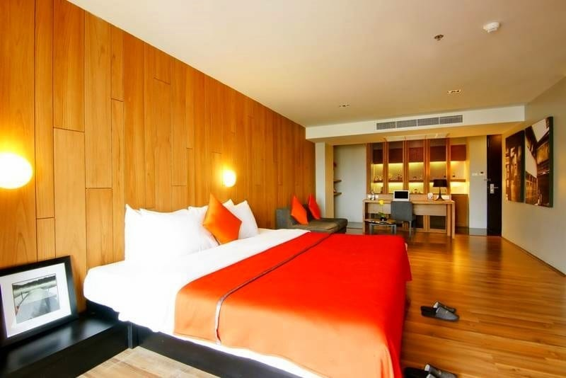 pattaya-hotel-with-sexy-girls