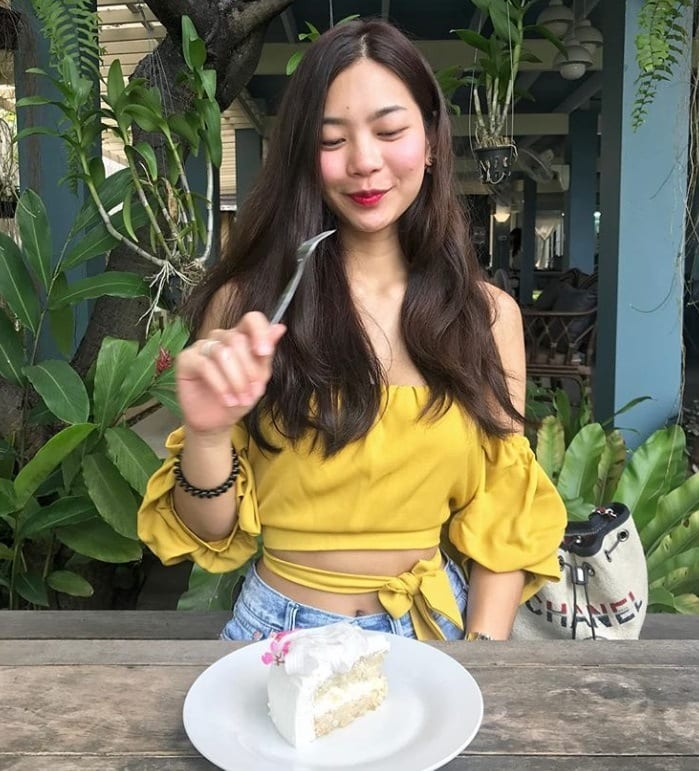 Dating Thai girl for lunch