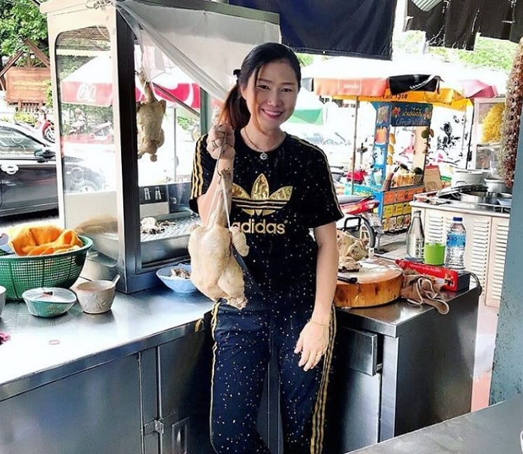 Quality Girl working In Chiang Mai restaurant