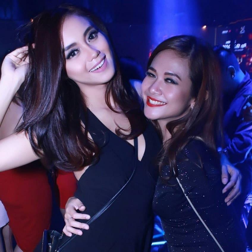 Batam women clubbing