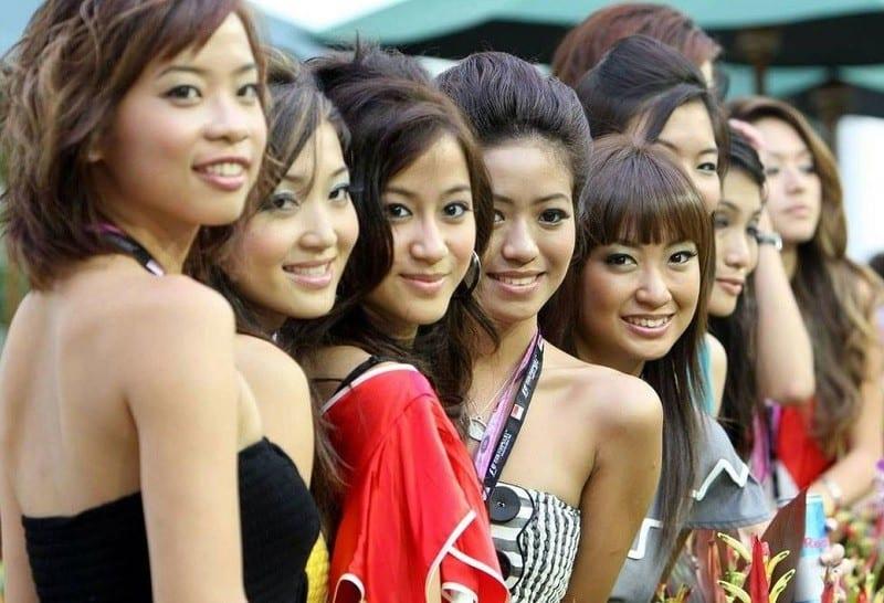 sexy singapore girlfriends