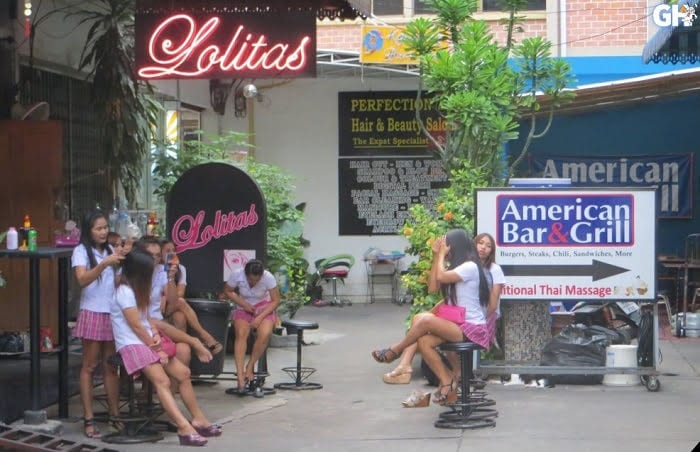 Lolitas-Blow-job-Bar-Bangkok