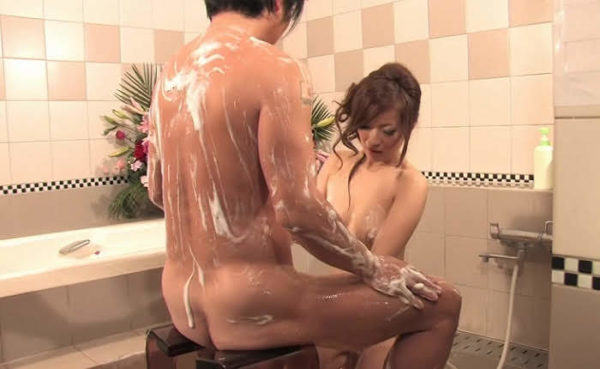 japanese sex massage girl in a soapland