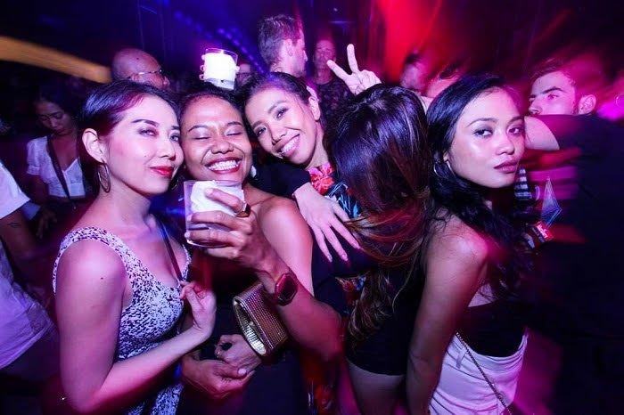 nightlife-in-bali-for-singles
