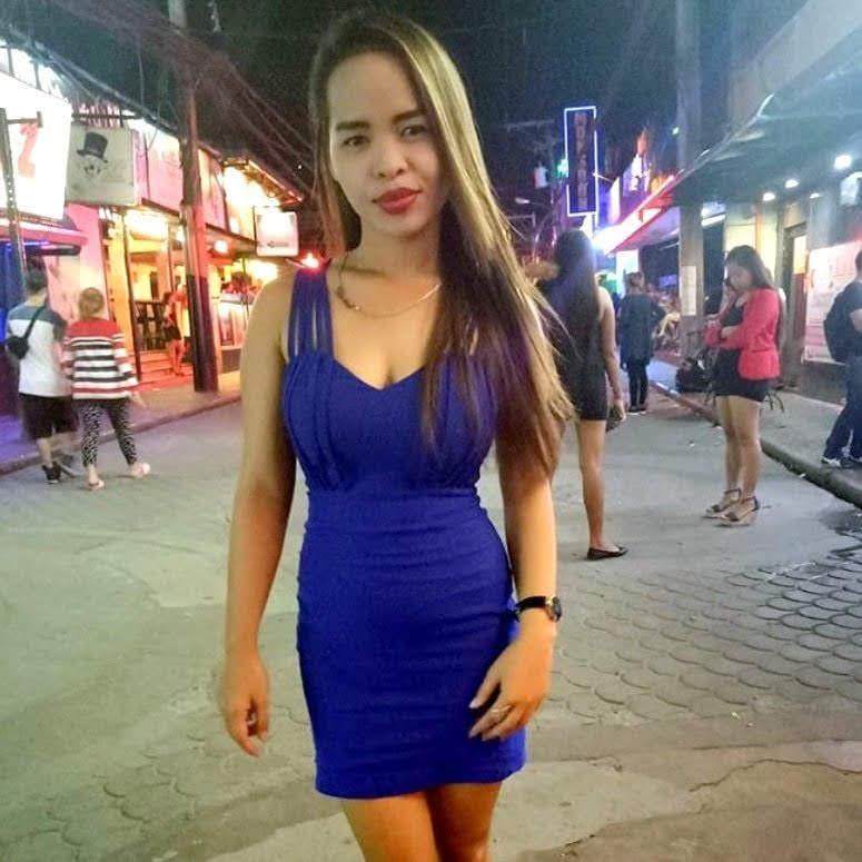 angeles city girl in field avenue