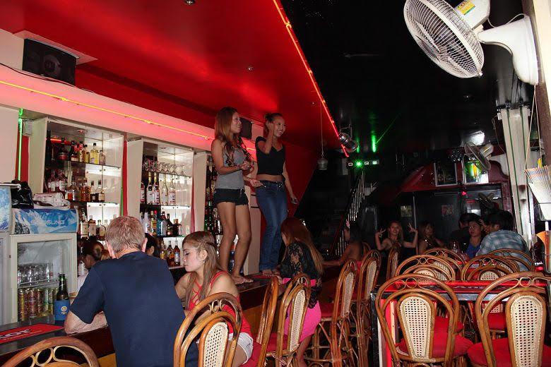 phnom penh girl bars