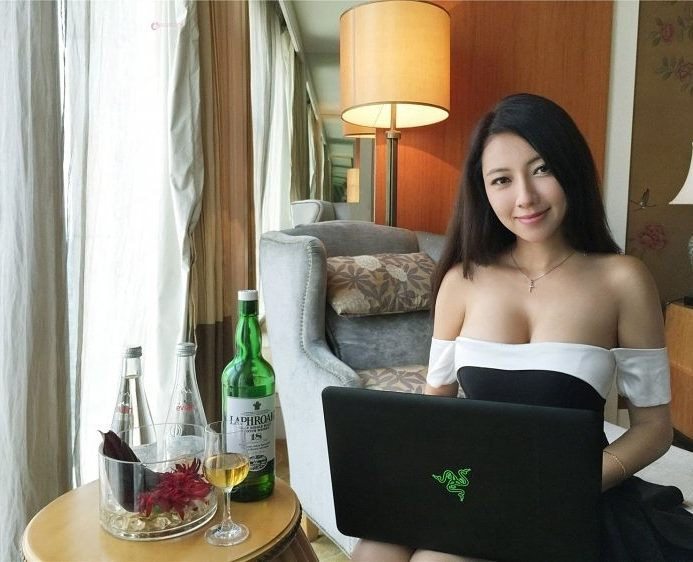 how to meet asian girls online