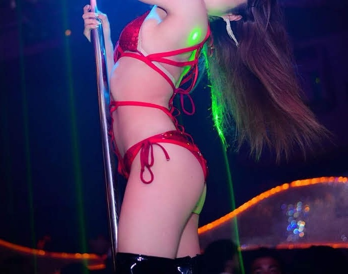 Taipei stripper dancing in club