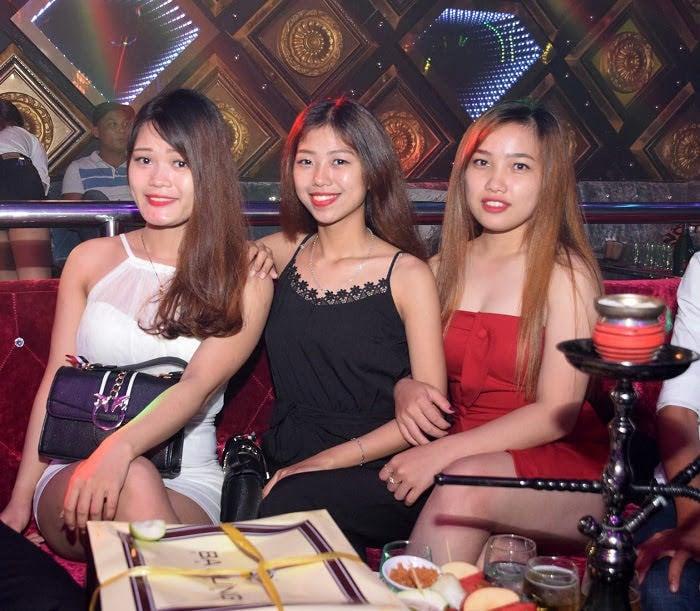 Da Nang bar girls