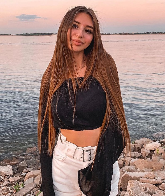 beautiful Kazakhstan girlfriend